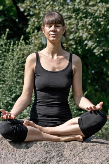 meine Yogakurse enthalten: Hathayoga, Kundaliniyoga, Meditationen, Atemtechniken , Achtsamkeitsübungen,